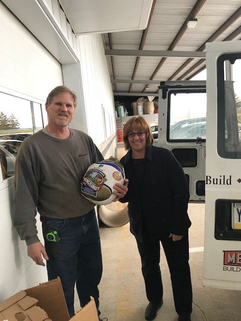 Employees treated to fresh turkeys from T-Ross Brothers Construction